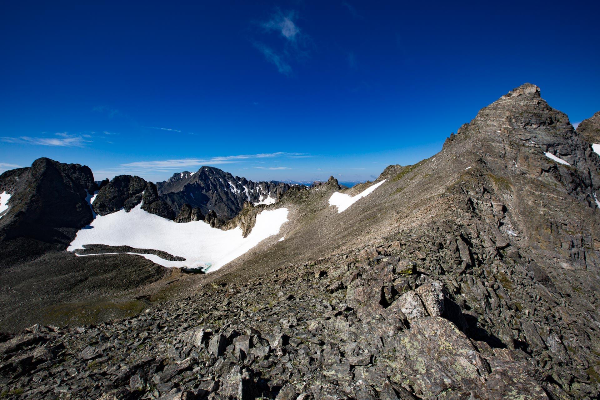 Arikaree and Navajo Peaks